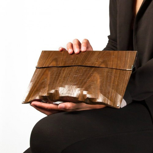 Clutch in Wood - Aztec size M - Brown