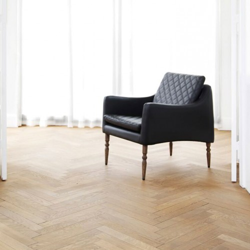 Skinny Seat Leather Chair