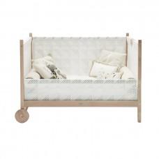Oriente Baby Crib