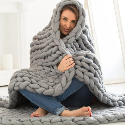 Chunky Giant Knit Throw / Blanket - Medium